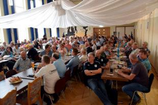 Ca. 150 Vereinsvertreter / innen verfolgten den Vortrag über die DSGVO von Dr. Frank Weller. Foto: nh