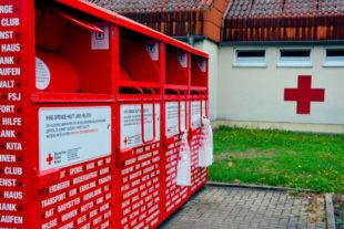 DRK, Rettungswache Homberg, Rotes Kreuz, Kleidersammlung, Sammelcontainer. Foto: Schmidtkunz