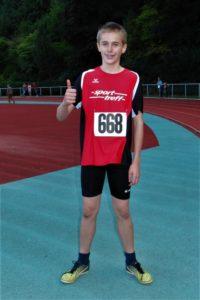 Der 13-jährige Niklas Dittmar katapultierte sich mit 9,88 Sekunden über 75 Meter sowie mit 4,90 m im Weitsprung in die TOP-TEN in Hessen. Foto: nh