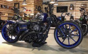 Gestohlen: Harley Davidson, Typ FD 2, Kennzeichen: KS-RI 71, Fahrgestellnr.: 1HD1GPM19DC323901. Foto: Harley Davidson