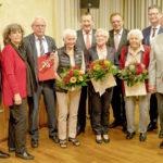 Feierstunde bei der Körler SPD: 100 Jahre Sozialdemokratie und die höchste Auszeichnung für Günther Döring (3.v.li.). Foto: nh