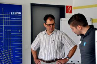 Ralf Ehring im Gespräch mit Jonas Klipsch. Foto: Schäfer
