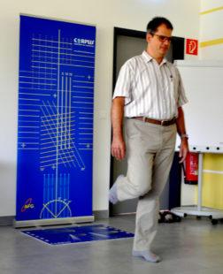Standfest: Auch Geschäftsführer Ralf Ehring nutzt den Termin. Foto: Schäfer