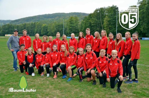 Sponsor Sebastian Möller besuchte die Leichtathleten des TSV 05 Remsfeld. Foto: nh