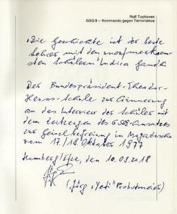 Widmung von Jörg Probstmeier im ersten Bildband, der über die GSG9 erschienen ist, den er der BTHS schenkte. Archiv: Schulmuseum der BTHS