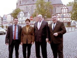 Die beiden Landtagskandidaten Wettlaufer (li.) und Weinmeister (re.) mit der CDU-Stadtverbandsvorsitzenden Claudia Ulrich und dem Ehrengast Peter Altmaier. Foto: nh