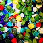 Mit Flaschendeckeln kann man etwas gegen die Ausbreitung der Kinderlähmung tun. Foto: nh