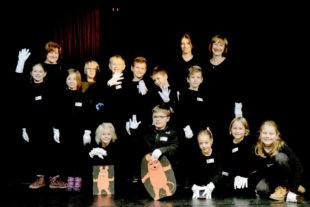 """Schwarzlicht-Theater-Werkstatt """"Black Box"""". Foto: Hephata"""