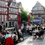 Ab den späten Nachmittagsstunden geht die Zeit am 25. Oktober in den Homberger Nachtmarkt über. Foto: nh
