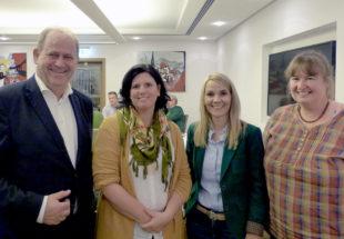 """Politik trifft Landwirtschaft"""" mit Wiebke Knell (2. v. re). Foto: nh"""