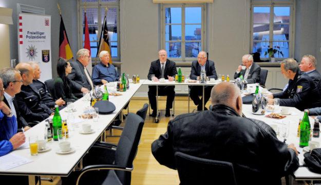 Pressekonferenz anlässlich der Bescheidübergabe für den Freiwilligen Polizeidienst Bad Wildungen, Fritzlar und Gudensberg. Foto: nh