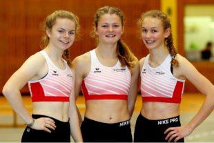 Die-Melsunger-Schülerinnen-Vivian-Groppe-Nele-Schmoll-und-Ella-Gleim-sorgten-für-glänzende-Sprintresultate-über-50-Meter. Foto: Schattner