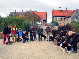 Mensch und Tier legten im Herbst beim KJV Ziegenhain u. a. verschiedene Hundeprüfungen ab. Foto: nh