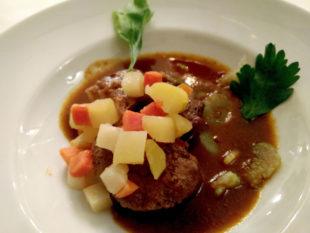 Ein gutes Essen will gelegentlich auch gut in Szene gesetzt werden. Wie man es vorteilhaft schafft, lernen die Fotofreunde im Kochevent. Foto: nh