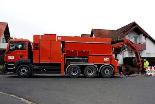 Bei der Breitbandversorgung in Guxhagen kommt ein Saugbagger zum Einsatz. Foto: BNG