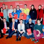Die Preisträger des Ehrenamtspreises 2018. Sitzend, v. li.: Schwalm-Eder-Landrat Winfried Becker, Marburgs OB Dr. Thomas Spies und die EU-Abgeordnete Martina Werner. Foto: nh