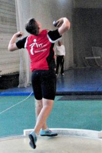Luis Andre mit einem typischen Handfehler beim Abstoß, der ihn eine neue Rekordweite kostete. Foto: nh