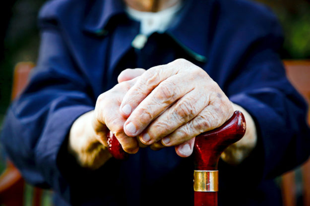 """Für mehr als ein Drittel der Rentner im Landkreis droht die """"Stütze im Alter"""" unter die Grundsicherung wegzubrechen. Symbolbild: ngg"""