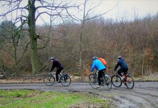 Typisch auf Mountainbike-Tour im Spätherbst sind aufgeweichte Wege. Foto: nh