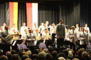 Stehende Ovationen gab es beim Konzert vor drei Jahren für das Heeresmusikkorps. Jetzt hofft die Stadt Borken erneut auf viele Gäste beim Benefizkonzert am 26. Februar 2019. Foto: no   nh