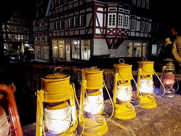 Zur dunkleren Seite der Stadt führen einmal im Monat Abendrundgänge durch Melsungen. Foto: nh