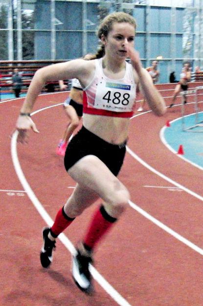 Eine starke Vorstellung bot die 14-jährige Vivian Groppe auch über 200 Meter, obwohl die Kraft auf den letzten 60 Metern sichtlich nachließ. Foto: nh