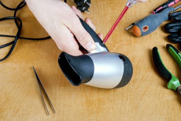 Wieder instandsetzen anstatt wegwerfen – das ist die Devise im Repair-Café. Foto: nh