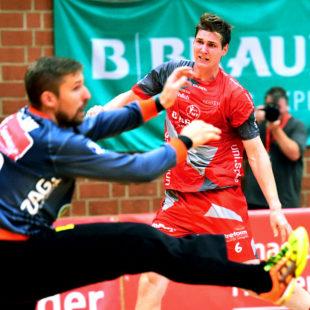 Finn Lemke beim Sparkassen-Cup in der Stadtsporthalle im Spiel gegen Hannover-Burgdorf. Archivbild: Hartung