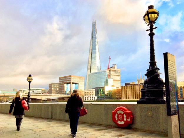 The Shard, die Scherbe – der Name des weithin sichtbaren Glasbaus an den Londoner Southbanks könnte unfreiwillig ein Omen für den Brexit werden. Foto: Schmidtkunz