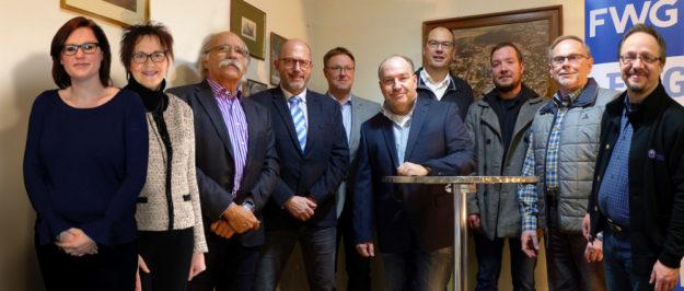 Der neu gewählte FWG-Kreisvorstand mit seinem alten und neuen Vorsitzenden Helmut Mutschler (3. v. li.) Foto: nh
