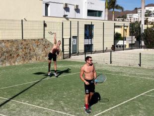 Tennisspielen gehört zu den sportlichen Aktivitäten der Bundesligisten. Foto: MT Melsungen