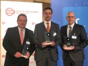 Von links: Landrat Winfried Becker (Schwalm-Eder-Kreis), Landrat Dr. Michael Koch (Hersfeld Rotenburg) und Ulrich Schäfer (Leiter Haupt- & Personalamt Kreisverwaltung Vogelsberg). Foto: nh