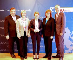 Europastaatssekretär Mark Weinmeister, Claudia Ravensburg MdL, Lena Arnoldt MdL, Justizministerin Eva Kühne-Hörmann und Armin Schwarz MdL (v.li.). Foto: nh