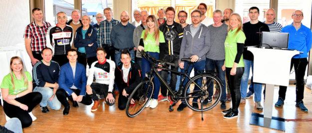 Siegerehrung zur 3. Bike Challenge mit Hauptpreisübergabe. Foto: Soremski