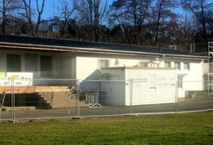 Das Clubhaus auf der Freundschaftsinsel muss umfassend saniert werden. Foto: nh