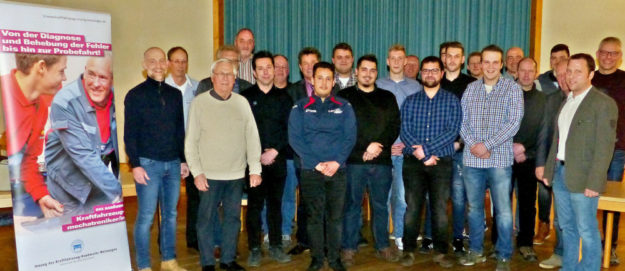 Erfolgreiche Kraftfahrzeugmechatroniker in Melsungen. Foto: Wolfgang Scholz