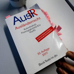 Kompliziertes Asylrecht. Foto: Arbeit und Bildung e.V.