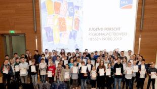Die Preisträger des Regionalwettbewerbs Nordhessen von Jugend forscht. Foto: SMA