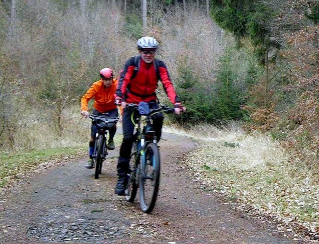 Bergab lassen es die Schwälmer Sportradfahrer richtig laufen. Foto: ADFC