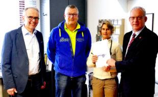 Kreistagsabgeordneter Martin Dippel, Nils Wagner-Praus, Marei Schoeller uns Vizelandrat Jürgen Kaufmann (v.li.). Foto: nh