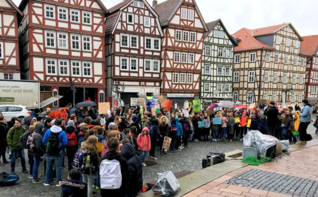 Aus allen Generationen waren Demonstranten dabei. Der Klimawandel betrifft alle. Foto: nh