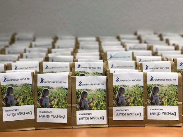 Alles auf Lager. Ab Freitag dürfen sich Schwalmstädter Grundbesitzer ihr Stück blühende Wiese abholen. Foto: nh