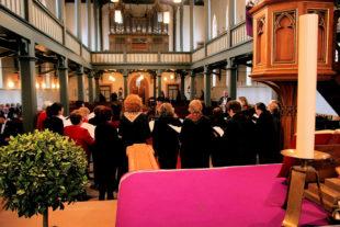 Chormusik in einer Kirche. Symbolfoto: Jens P. Raak | pixabay