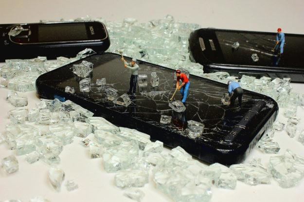 Handys recyceln bedeutet Menschen und Umwelt schützen. Foto: Wilfried Pohnke | Pixabay