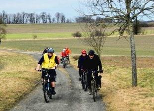 Eine gewisse sportliche Ambition erfordert die Tour zwischen Schwalm und Ohm. Foto: adfc