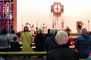 Die Melsunger Katholiken feierten die Auferstehung Christi. Foto: Wagner