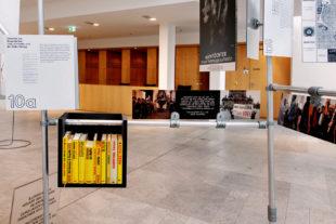 Frei von Reizüberflutung können sich die Ausstellungsbesucher dem Thema nähern. Foto: ©Vera Hofmann, Berlin