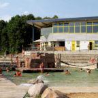 Das Naturbad Terrano zeichnet sich durch sein bemerkenswertes Gestaltungskonzept aus. Foto: Rainer Sander