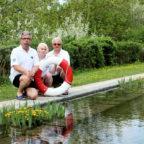 Das Schwimmmeister-Team Norbert Braun, Viktoria Hoffrichter und Matthias Engelbrecht (v.l.) sorgt ab dem 25. Mai wieder für die Sicherheit der Badegäste. Foto: nh
