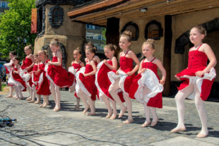Der Ballettnachwuchs der Tanzschule Wilkinson ist beim Schmeckefuchs dabei. Foto: Karl-Heinz Mierke